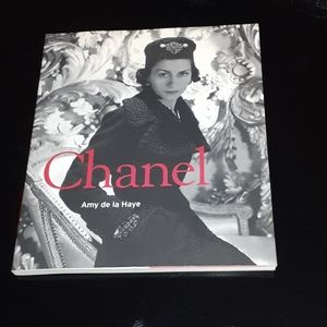 Book chanel
